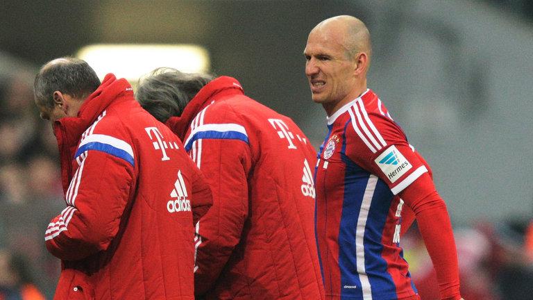 Arjen Robben tidak bermain dua bulan karena cedera perut