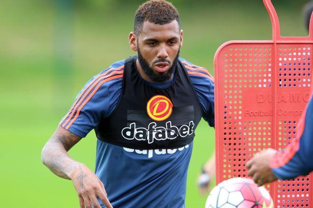 Agen Sbobet - Yann M'Vila ingin stabilitas pertahanan di Sunderland